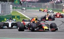 Kam se poděla vítězná forma Mercedesu?