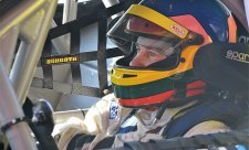 Šampion F1 Jacques Villeneuve bude závodit v Mostě!