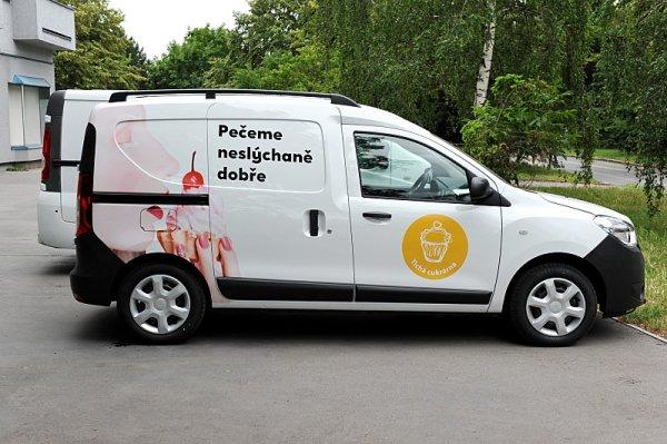 Dacia podporuje Tichou kavárnu a cukrárnu