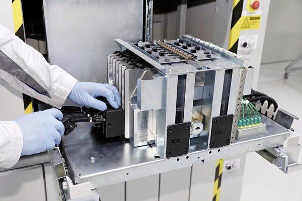 Volkswagen postaví obří továrnu na akumulátorové články