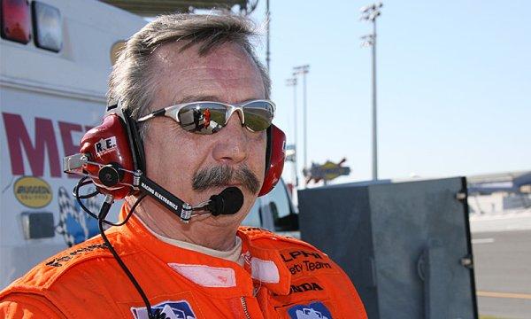 Zemřel bývalý šéflékař IndyCar Michael Olinger