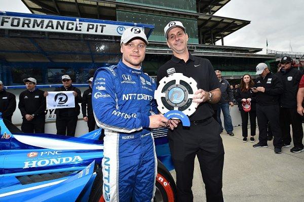 Rosenqvist si v Indianapolisu připsal první pole position