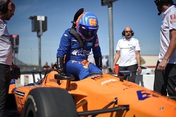 Alonso a Hinchcliffe nemají jistý start v Indy500