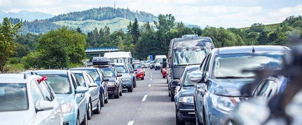 Zhroucený most v Janově stále komplikuje dopravu