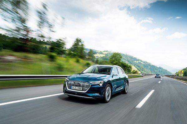Audi e-tron projelo deset zemí za 24 hodin