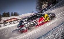 Audi e-tron zdolalo Hahnenkamm opačným směrem