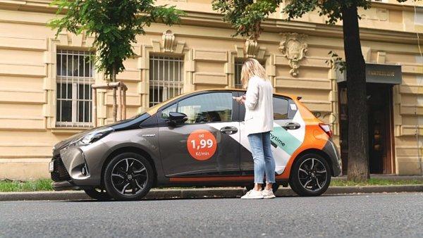 Třetina Pražanů už nejezdí po městě vlastním vozem