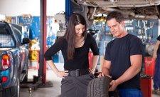 Přezout pneumatiky svépomocí není žádná věda