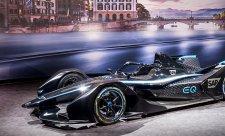 Mercedes v Ženevě poprvé ukáže vůz pro příští sezonu