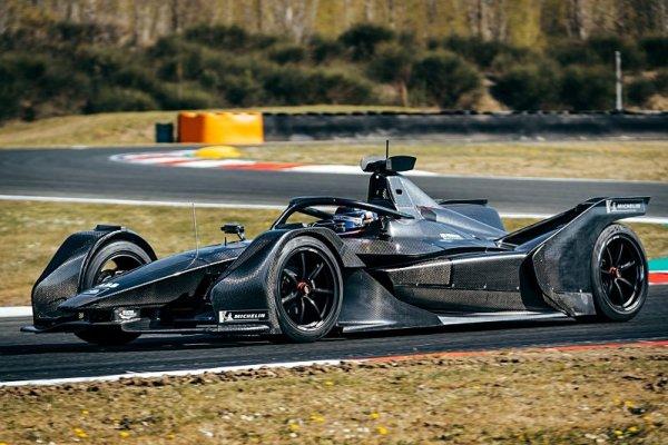 Elektrický Mercedes má za sebou první stovky kilometrů