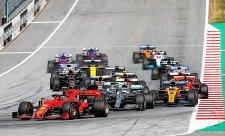 Niki Lauda má doma svoji zatáčku