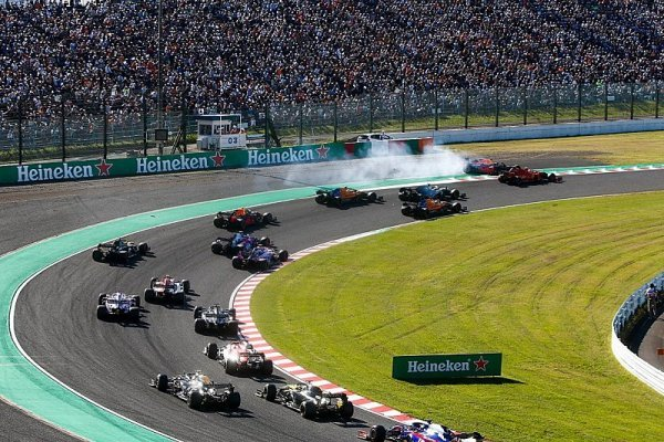 Leclerc obdržel patnáctisekundovou penalizaci