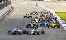 Start Eurocupu formule Renault znovu odložen