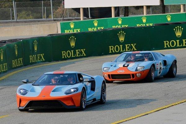 Slavný Gulf Ford GT40 z Le Mans na Legendách