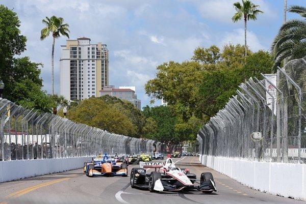 Úvod sezony IndyCar před prázdnými tribunami