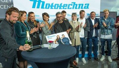 Celebrity pokřtily kalendář Mototechny