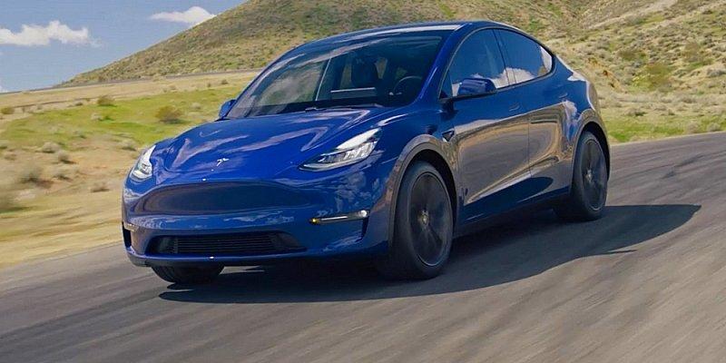 Elon Musk předvedl vůz Tesla Model Y