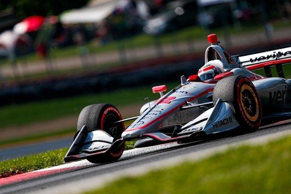 Power vymazal konkurenci a získal 57. pole position
