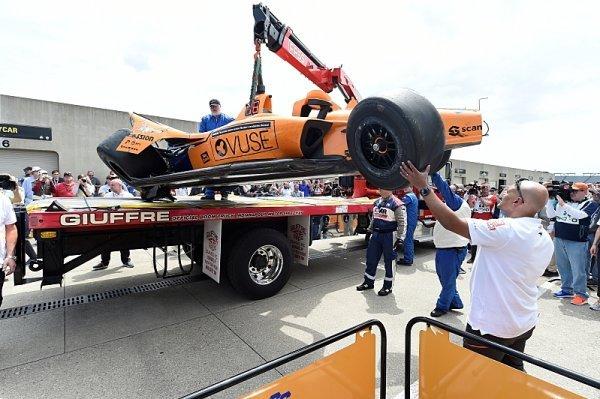 Alonso prvním jezdcem, který letos v Indy boural
