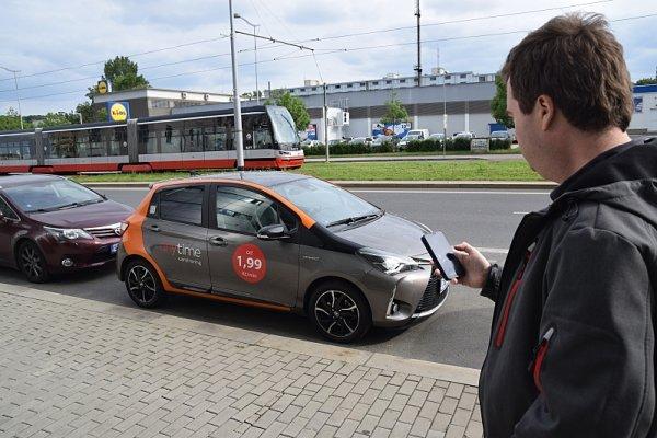 Vyzkoušeli jsme sdílení aut v hlavním městě
