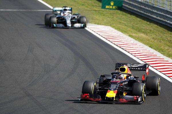Hamiltonovi se boj s Verstappenem líbil
