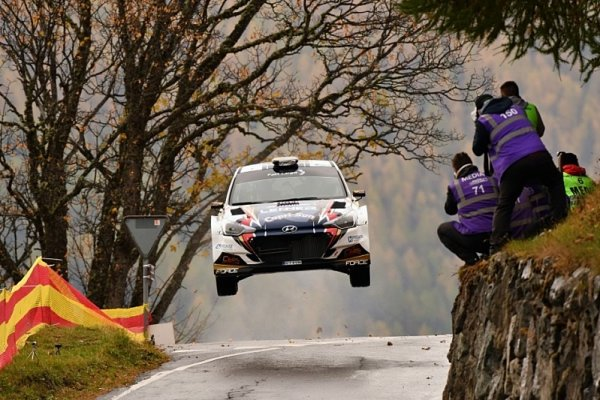 Bisaha a Těšínský vyhráli evropskou rallyovou trofej