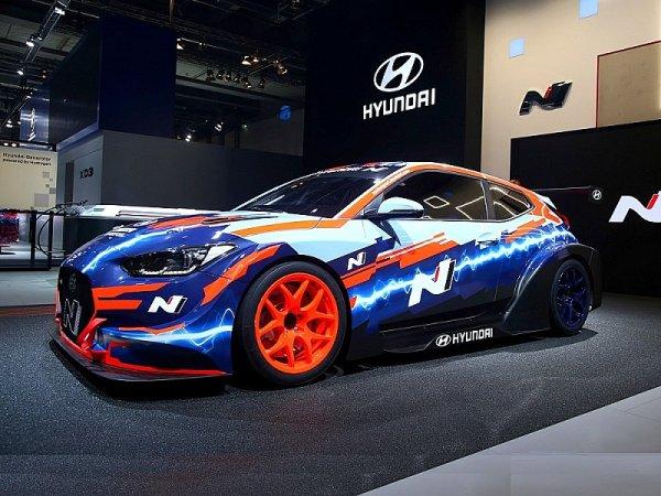 Hyundai předvedl závodní elektromobil Veloster N