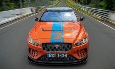 Elektromobil I-Pace vozí zájemce po Severní smyčce