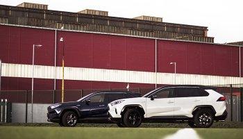 Baníkovci si pořídili hybridy od Toyoty