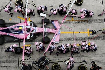 Red Bull soupeře vyprovokoval ke změně