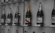 Historie jedné neotevřené láhve šampaňského