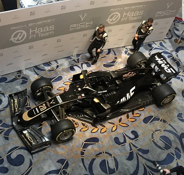 Red Bull okamžitě mimo dosah Haasu