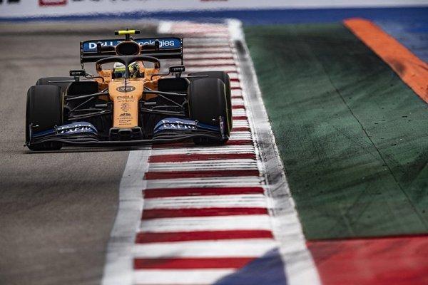 McLaren si definitivně plácl s Mercedesem