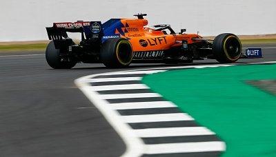 McLaren věří, že boj s Renaultem bude čestný