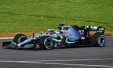 Mercedes možná bude muset dohánět během sezony
