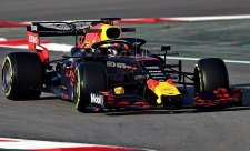 Red Bull přece jen neposlal býky na jatka