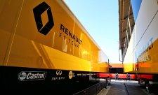 Renault dal kopačky technickému řediteli