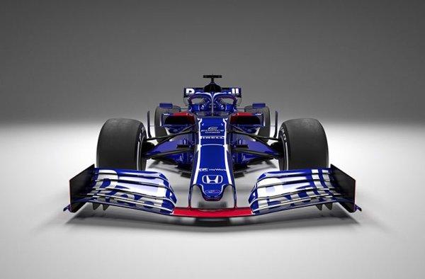 Nové Toro Rosso STR14 ve starých barvách