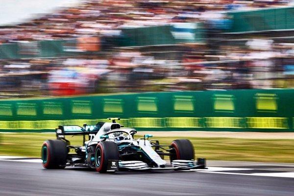 Bottas už ví, kde za Hamiltonem zaostává