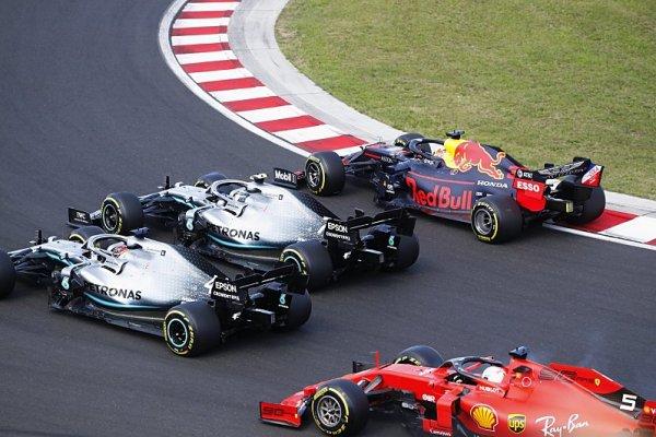 Bottas změní přístup k soubojům s Hamiltonem