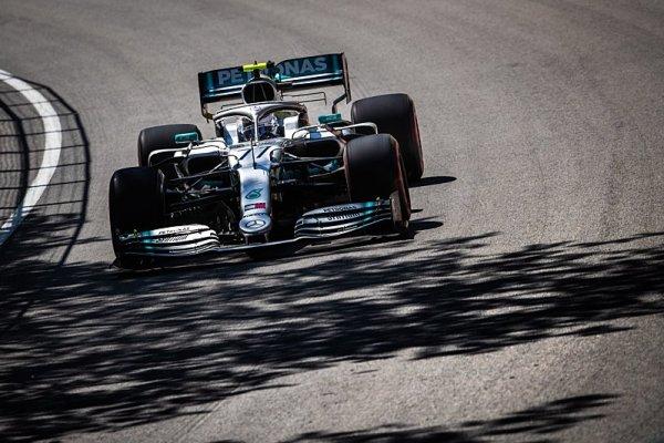 Ferrari ničilo Mercedes ve třetím sektoru