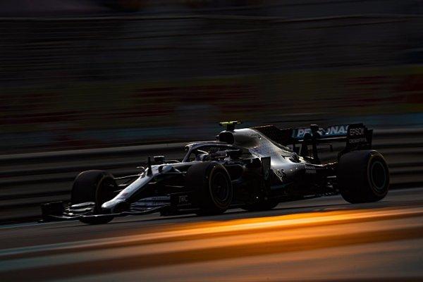 Mercedes udržel tempo i po setmění