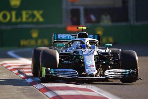 Expres Leclerc pořádnou ránou odstřelil plány Ferrari
