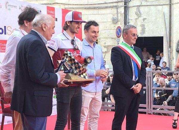 Antonio Giovinazzi dostal cenu Lorenza Bandiniho