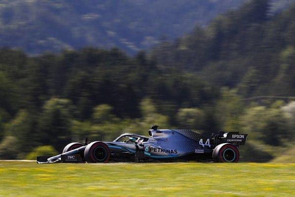 Veliké večerní překvapení v padoku F1