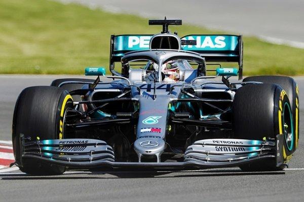 Hamiltonův nejlepší start do sezony v kariéře