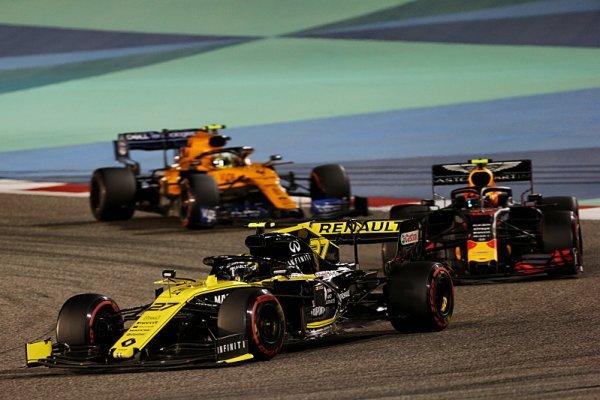 Navrhovaný strop je příliš vysoký i pro Renault a McLaren