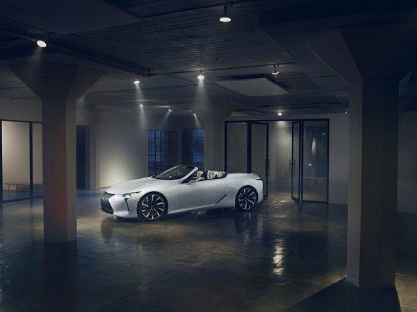 Lexus odhalil LC ve verzi kabriolet