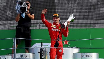 Leclerc vyhrál VC Vietnamu na okruhu v Melbourne