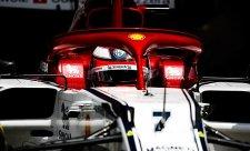 Räikkönena potrápil točící se vítr